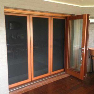 Scrub Fitting Door 2