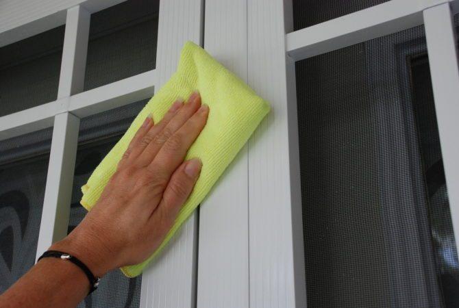 Door Frame Cleaning